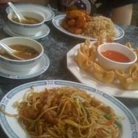 Hot and sour soup. Crab cheese wontons. Chicken lo…
