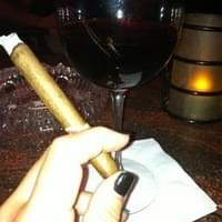 This goes Cigar goes amazing w/ Coppola Pinot…